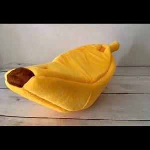 Banana Pet Bed 🍌